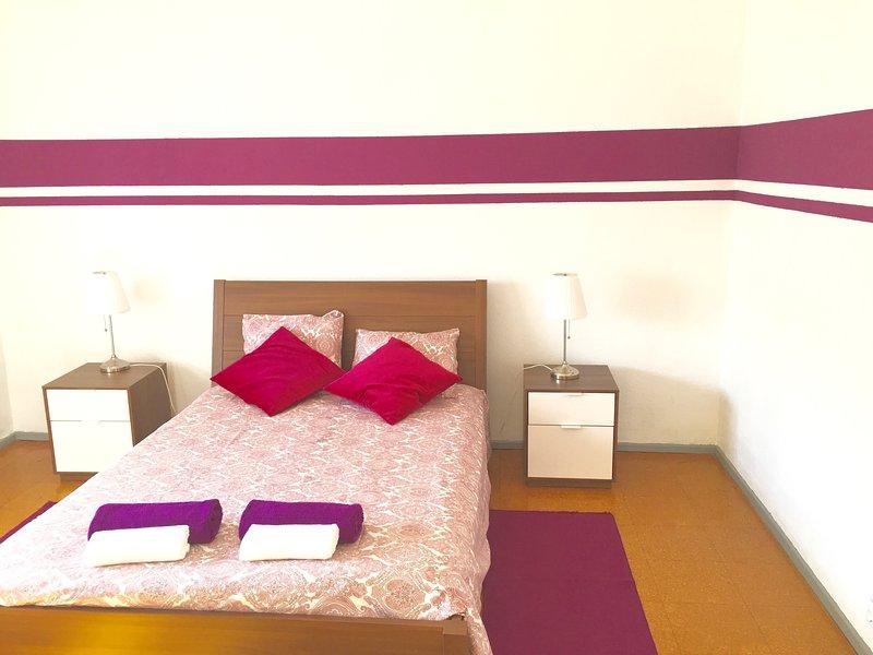 REDWOOD APT by W2lx, holiday rental in Sacavem