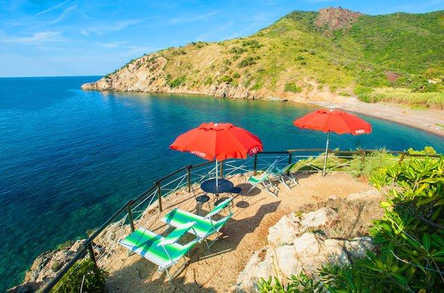 Villa con terrazza panoramica sul mare, Elba, vacation rental in Rio Nell'Elba