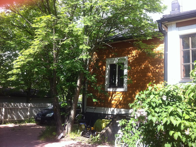 A lovely house w/garden in Helsinki, holiday rental in Uusimaa