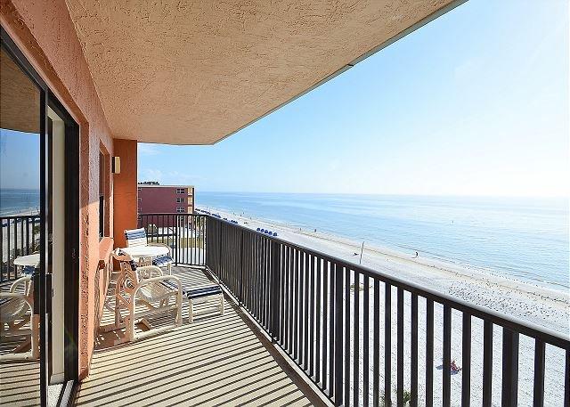 Emerald Isle 602 - Beautiful, spacious 3 bedroom condo/AWESOME GULF views!, vacation rental in North Redington Beach