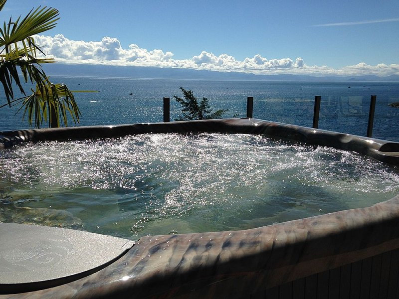 The Best Ocean Front View Deck in Sooke, vacation rental in Sooke