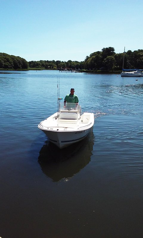 Ocean bays are good for boating nearby.