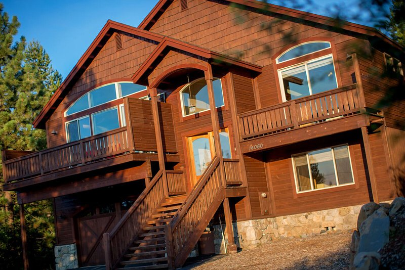 Building,House,Hardwood,Stained Wood,Banister