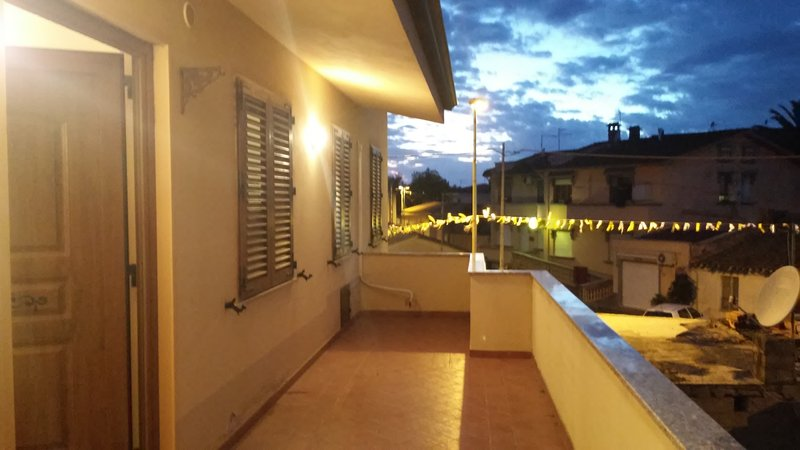 Spacious flat near beaches of Sinis and Monte Arci, alquiler vacacional en Solarussa