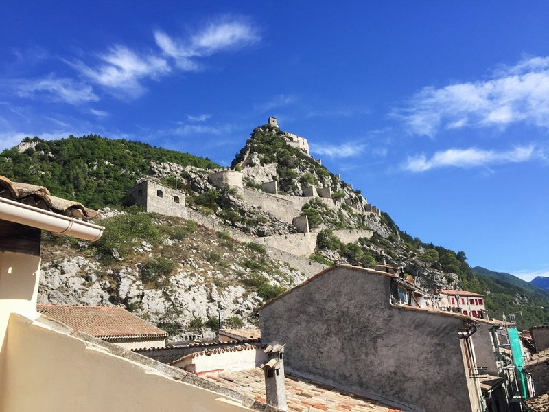 Nice apartment with mountain view, vacation rental in Entrevaux