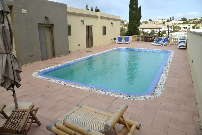 Villa 4 Bedroom with air Condition, Outdoor Pool, with Fantastic Sea View, Large Outdoor Pool