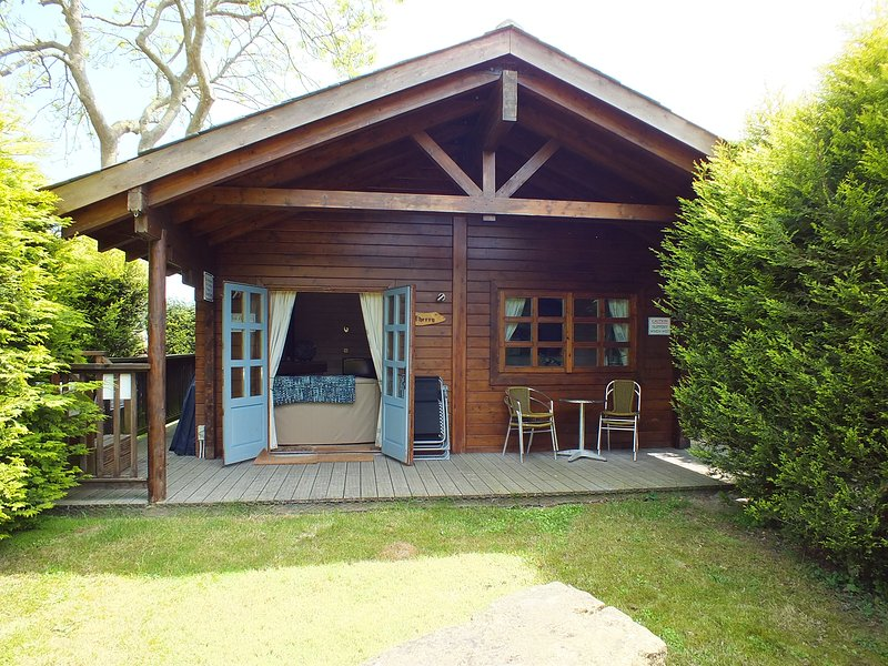Herston Log Cabin Cherry Cabin, holiday rental in Worth Matravers