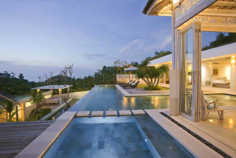 Sunset Paradise Villa Uluwatu, Bali