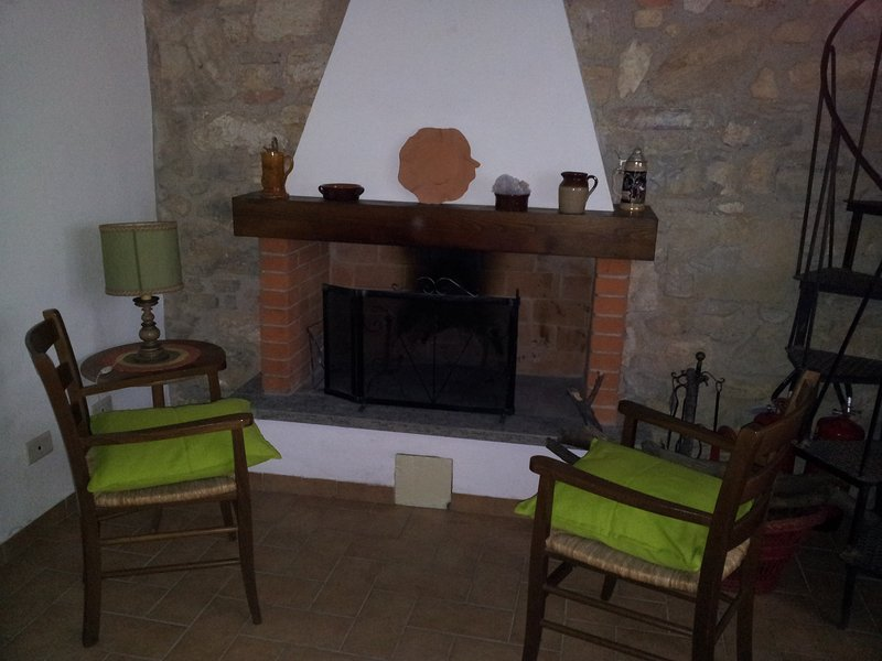 Kitchen/Living, the fireplace