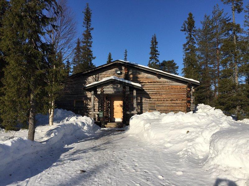 A beautiful pinewood cottage, alquiler vacacional en Raudanjoki