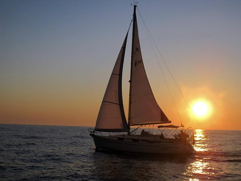 Waipoint Azzurra Boat & Breakfast  Sailing Excursions and trips by car, Ferienwohnung in Bari