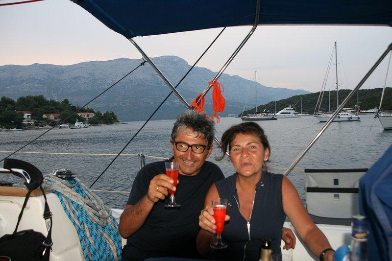 Capitán Vito y su esposa