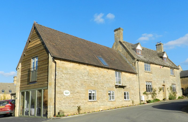George Barn (M3I accessible wheelchair accomodation) – semesterbostad i Chipping Campden