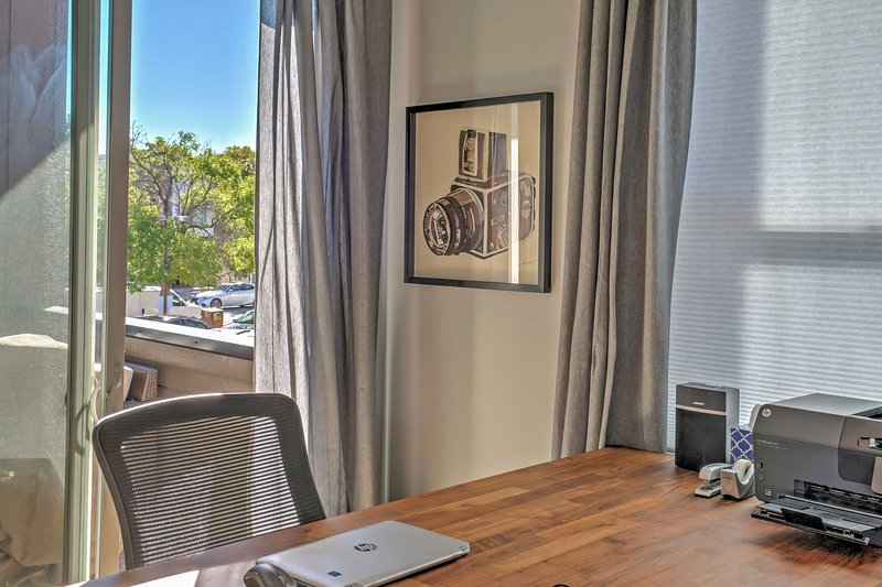 With an office area, a printer, and high-speed wireless internet access, this condo will make it easy tell your friends and family all about your amazing vacation!