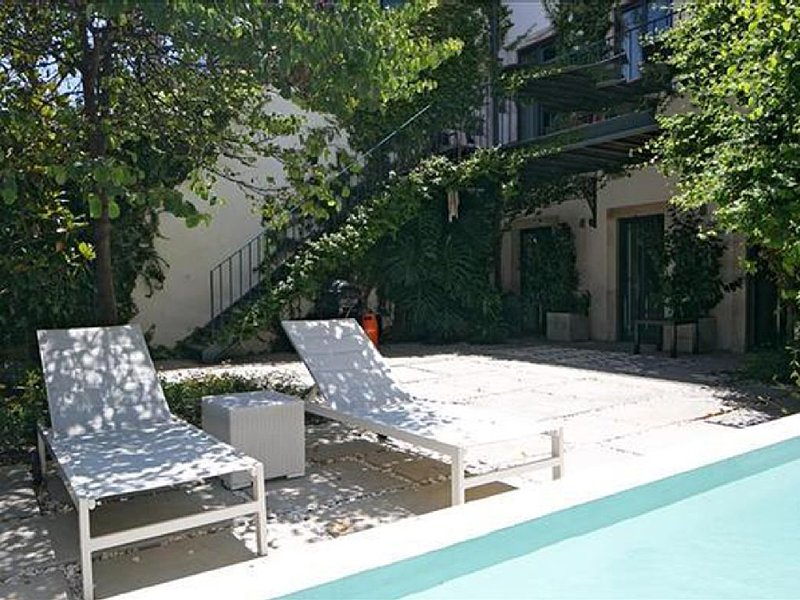 Phoenix Golden Short Rentals Estrela Lisbon, vacation rental in Barreiro
