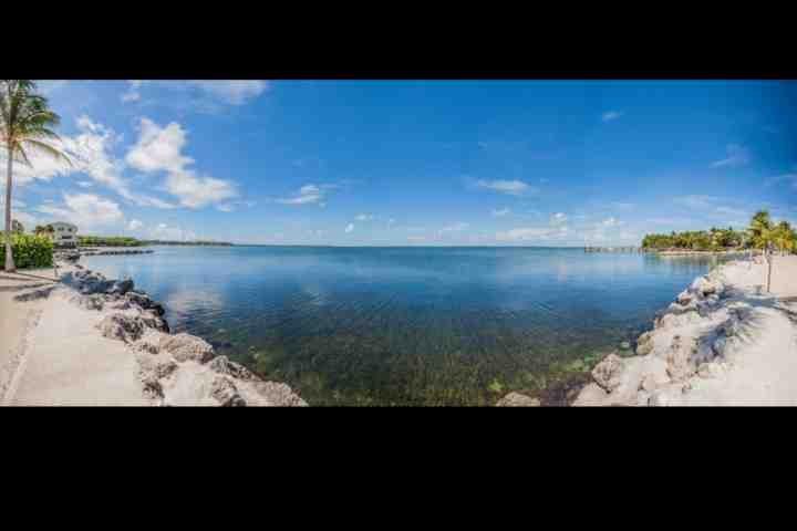 vista panorâmica sobre a bela Baía da Flórida a partir da marina em Futura.