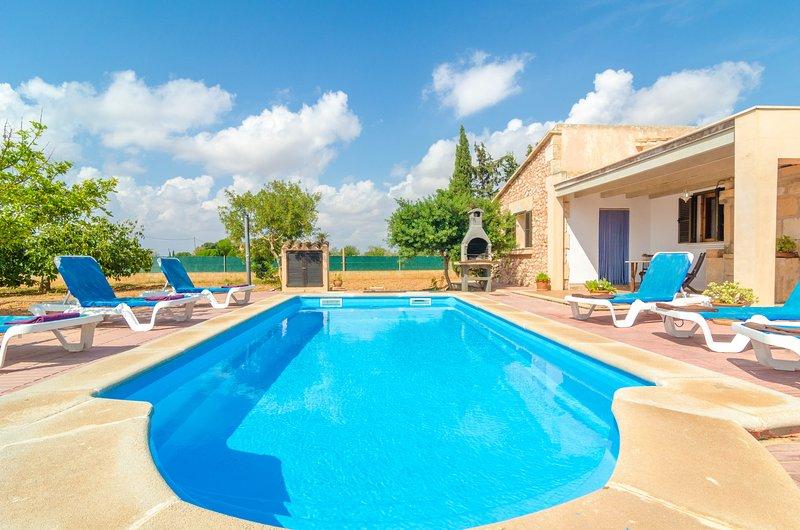 VILLA CÉSAR - Villa for 8 people in CAMPOS, alquiler de vacaciones en Campos