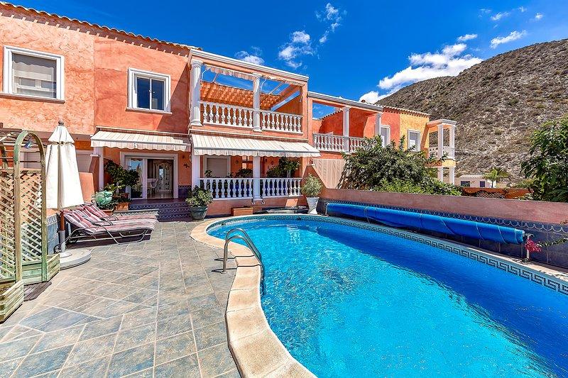 3 bedroom Villa in Los Cristianos Tenerife, holiday rental in Los Cristianos