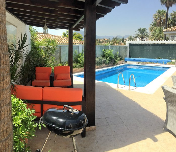 Villa PandoraGreat location Puerto Banus 3 bed max 8 CoVid full refund guarantee – semesterbostad i Puerto Banus