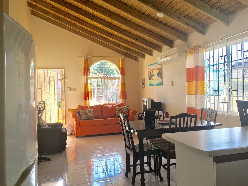 Gordon House,  Private Vacation Home With Parking, holiday rental in Rose Hall