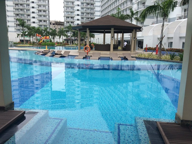 Shell Residences fully furnished condo, vacation rental in Pasay