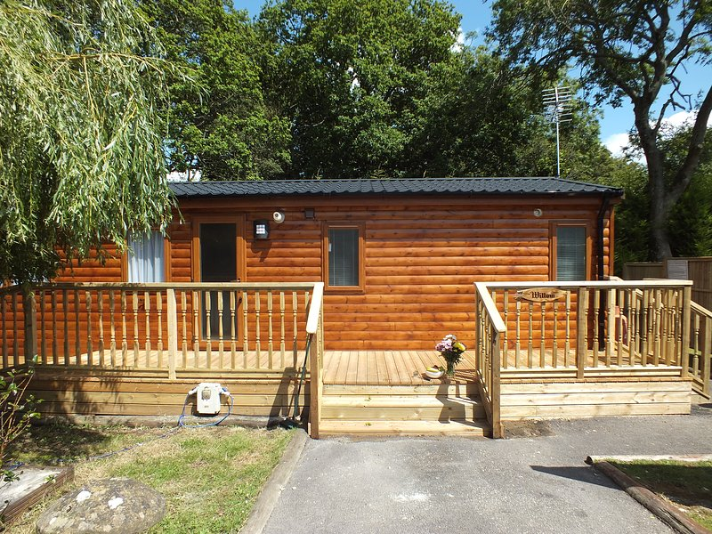 Herston Log Cabin Willow Lodge, holiday rental in Worth Matravers