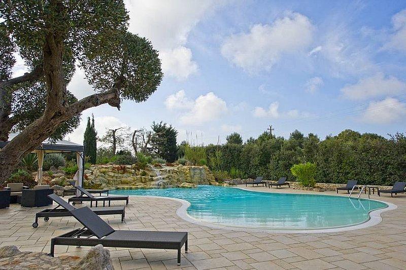 Sant'Antonio Villa Sleeps 4 with Pool and Air Con - 5229329, vacation rental in Lido Marini