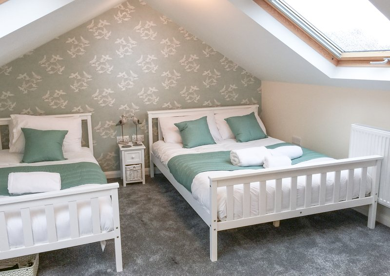 City Centre Brighton House - Stag & Hen Friendly! Sleeps 17, holiday rental in Shoreham-by-Sea