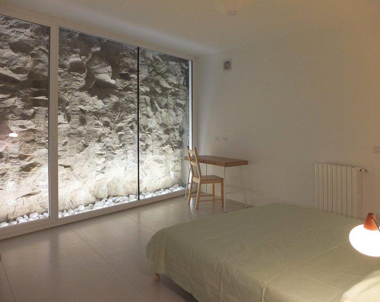 1 chambre double avec vue sur la roche
