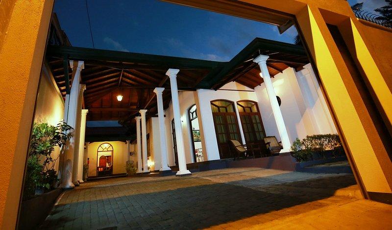 DAN-HOMES Bungalow avec 5 chambres de luxe / 2-3 maisons Maharagama-Colombo-Sri Lanka chambre