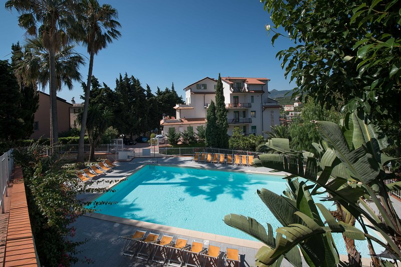 Residence Oleandro - Studio with Amazing Seaview  -  3 Stars Romantic Aparthotel, holiday rental in Pietra Ligure