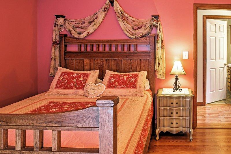 Póngase al día con un poco de sueño muy necesario en esta hermosa habitación.