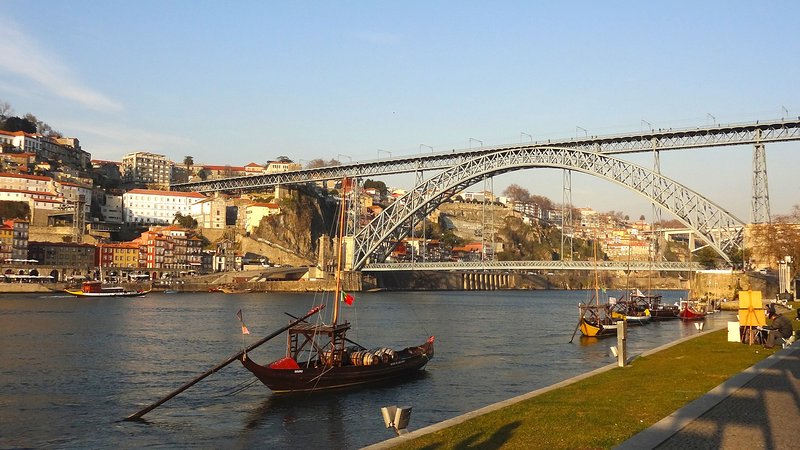 Iconic Oporto view at 2,5 Km