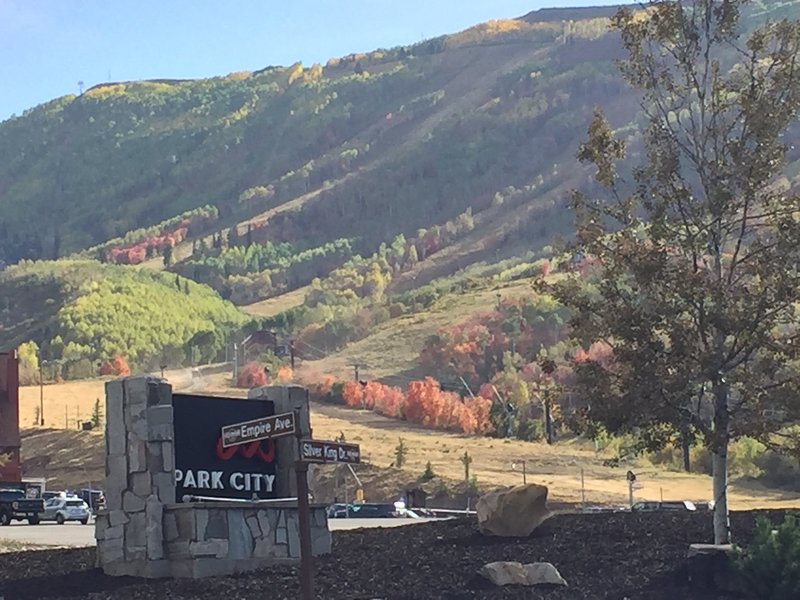 beautiful fall day with spectacular mountain views all times of the year!