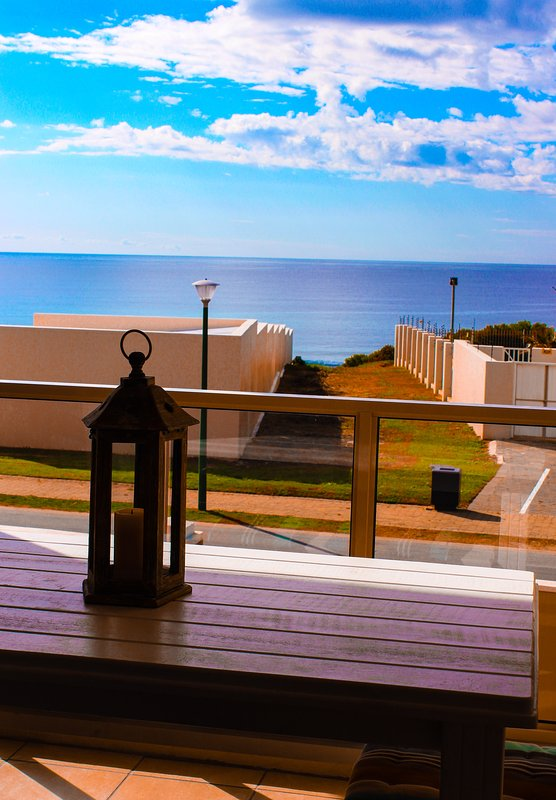 3 Bedroom apartment 100m from beach.
