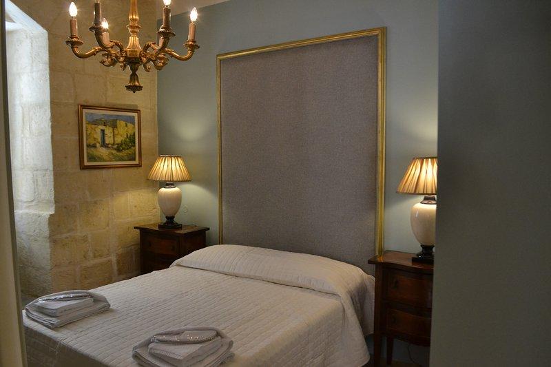 Sally Port Suites: Central Valletta Apartment., vacation rental in Valletta