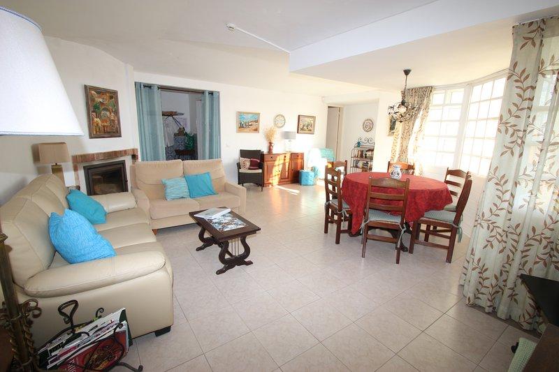 lovely 3 bed villa air con private pool sea views and wi fi near rh tripadvisor com