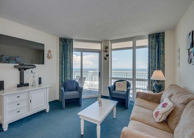 Beautiful 2 bedroom / 2 bathroom Oceanfront Condo, vacation rental in North Myrtle Beach