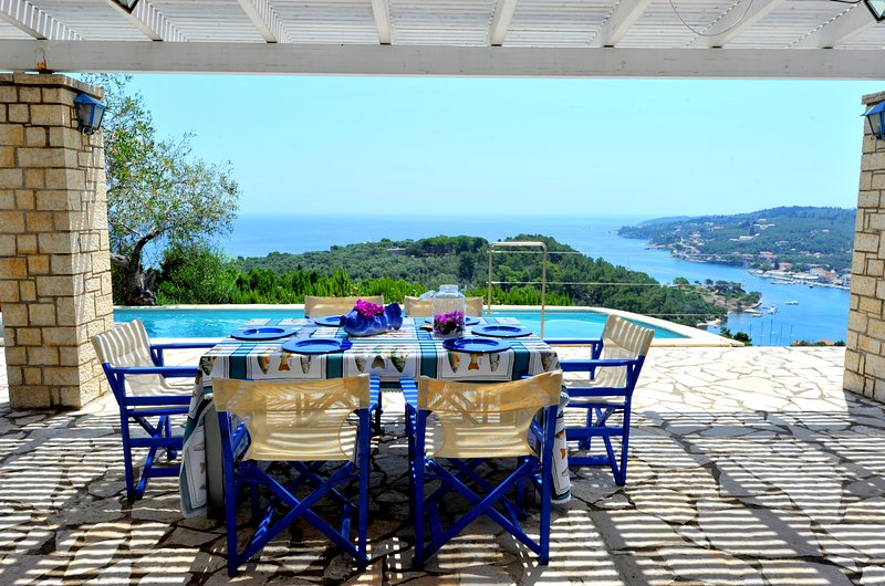 Villa Hara (Joy) & Studio - Sleeps 8 (4 Bedrooms), holiday rental in Gaios