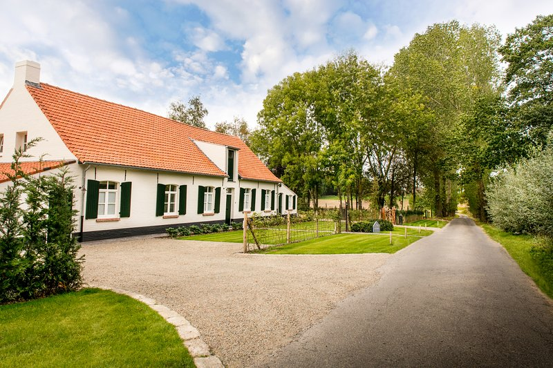 Cottage de Vinck in Ypres, located in natural surroundings.