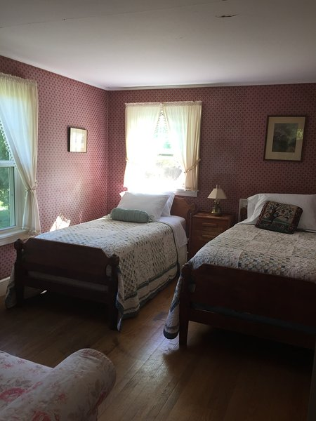 Historical Farm House, holiday rental in Keene