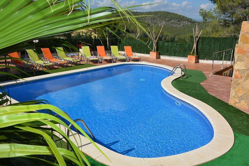 Pool XXL 10*6*6 meters on 300 M2 Terrace.