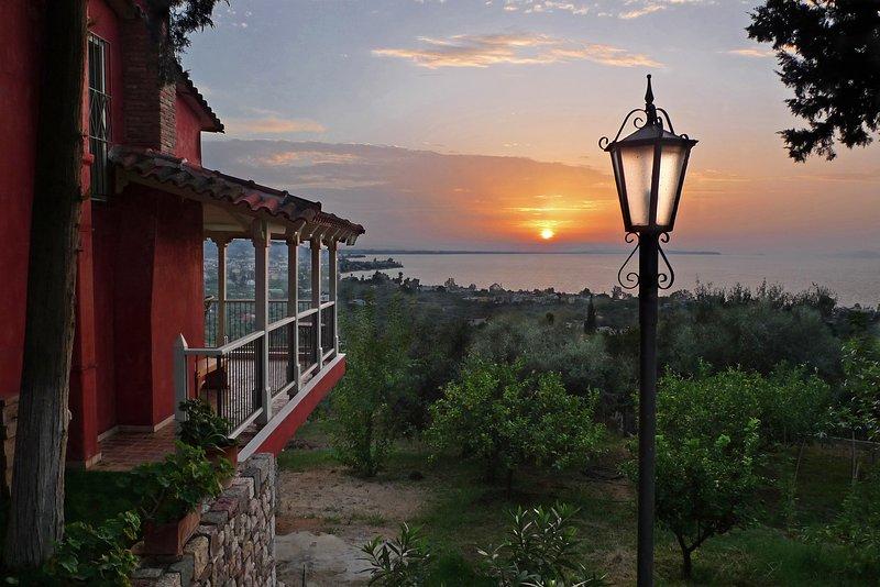 Sea View Villa with 4 bedrooms -  grECOrama, aluguéis de temporada em Patras