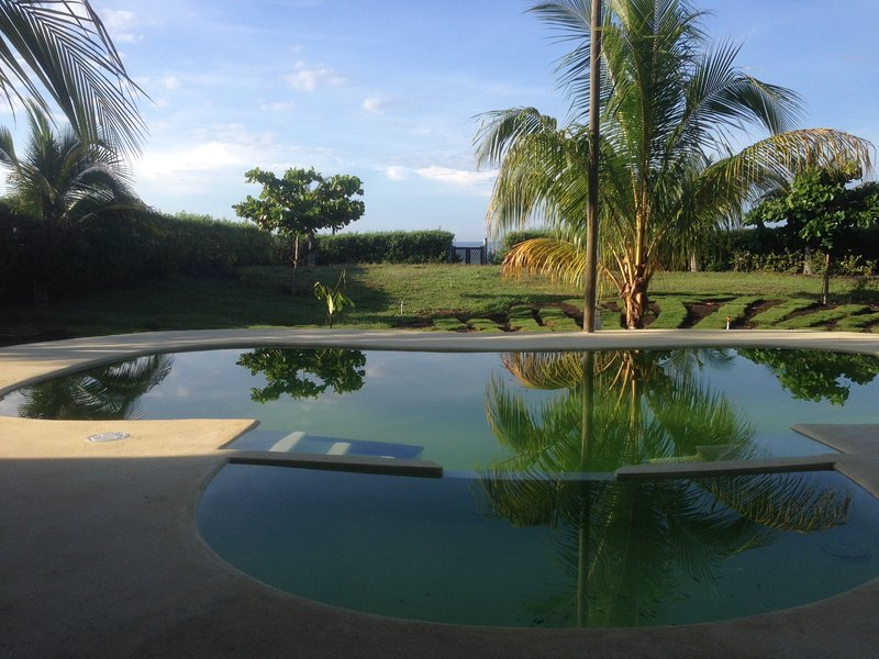 Casa Maria: Beach Villa on the Pacific Coast, vakantiewoning in Guatemala