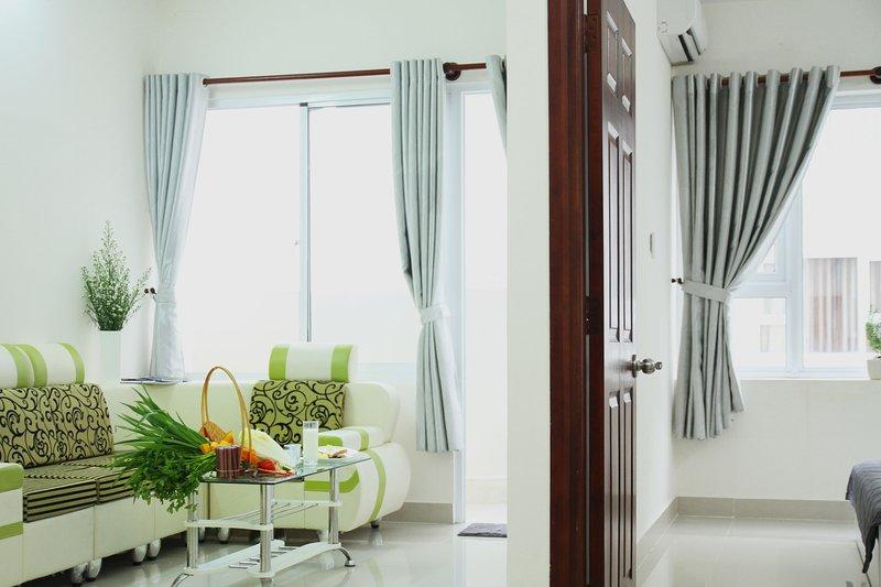 Tranquil furnished condo, direct seaview from bed, aluguéis de temporada em Ba Ria-Vung Tau Province