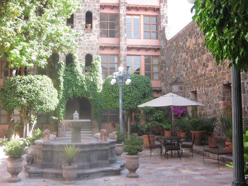 Cozy Historic Centre Guest Suite, alquiler de vacaciones en San Miguel de Allende