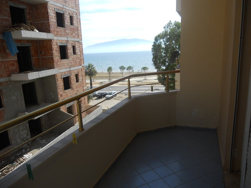 Side Sea View Apartament , Onorato 2, vacation rental in Vlore