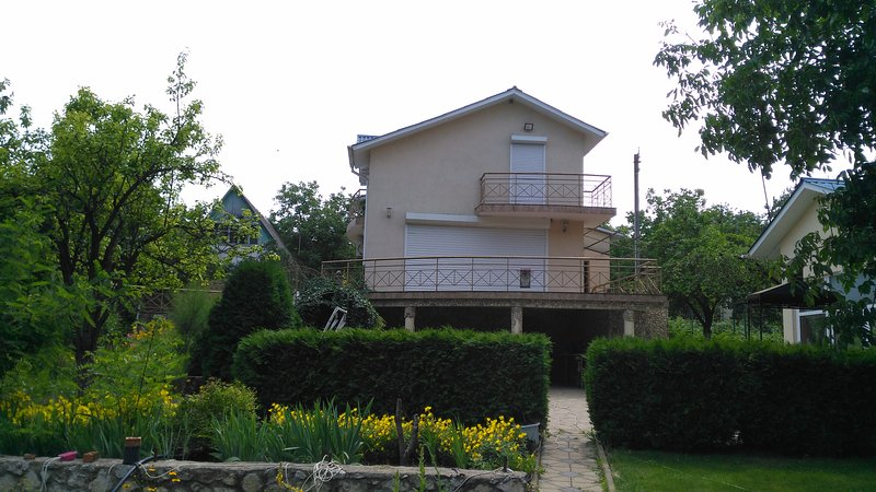 A big coutry-house for a good leisure-time, holiday rental in Ialoveni District