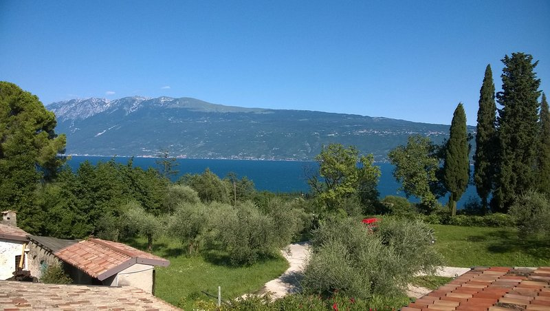 Cervano: 3 suites apartment for 10 person, casa vacanza a San Giorgio