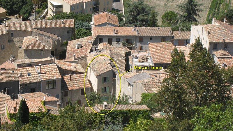 La Maison Jaune, location de vacances à Niozelles